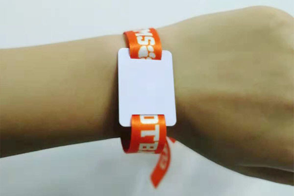 Sunlanrfid wristag rfid wrist tag wholesale for fitness center